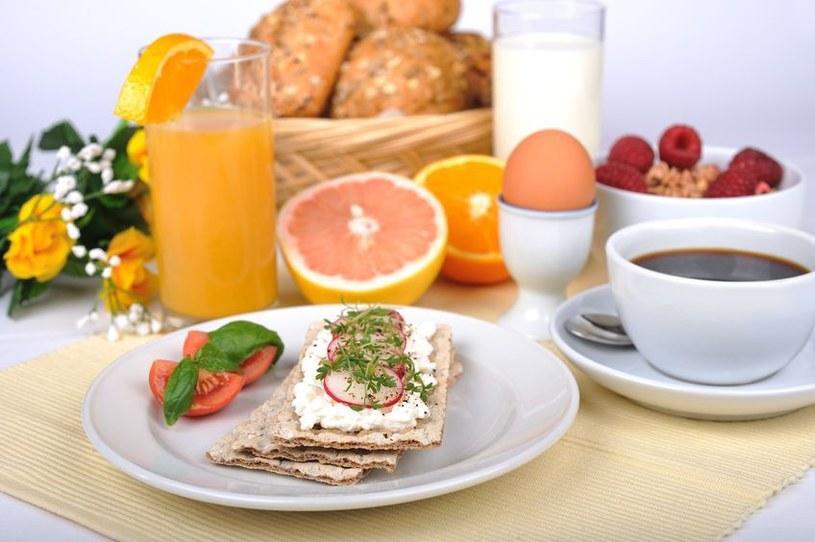 Pożywne śniadanie /©123RF/PICSEL