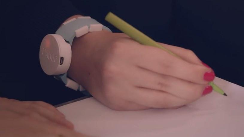 Ppaska pozwalającą ograniczyć symptomy choroby Parkinsona. /materiały prasowe