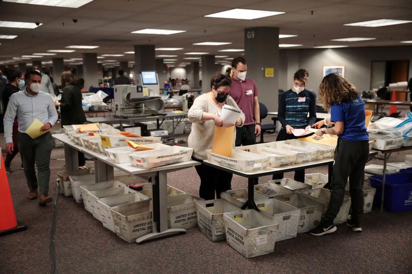 Praca komisji wyborczej w Milwaukee /AFP