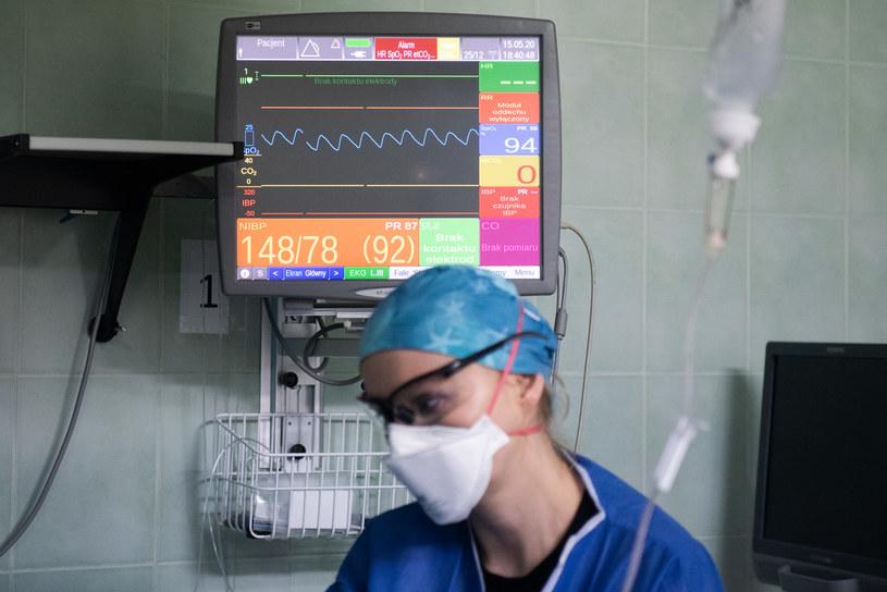 Praca medyków w czasie pandemii, zdjęcie ilustracyjne /Filip Błażejowski /Agencja FORUM