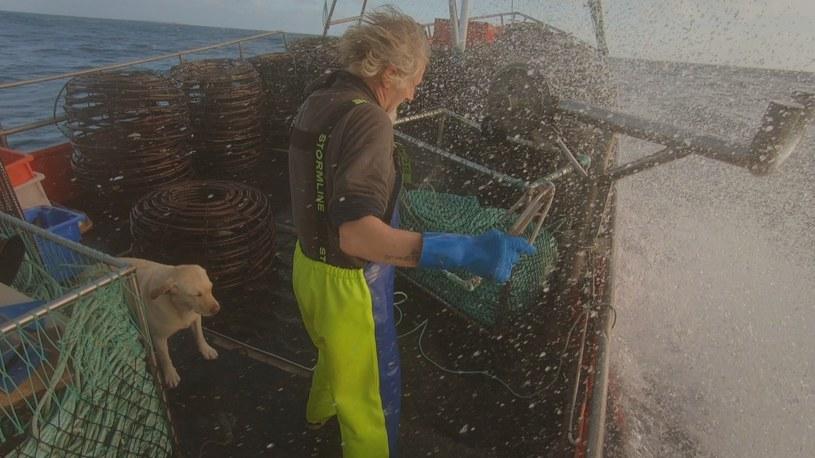 Praca na kutrze jest ciężka, ale ekscytująca. Żaden z poławiaczy nie może narzekać na nudę /materiały prasowe