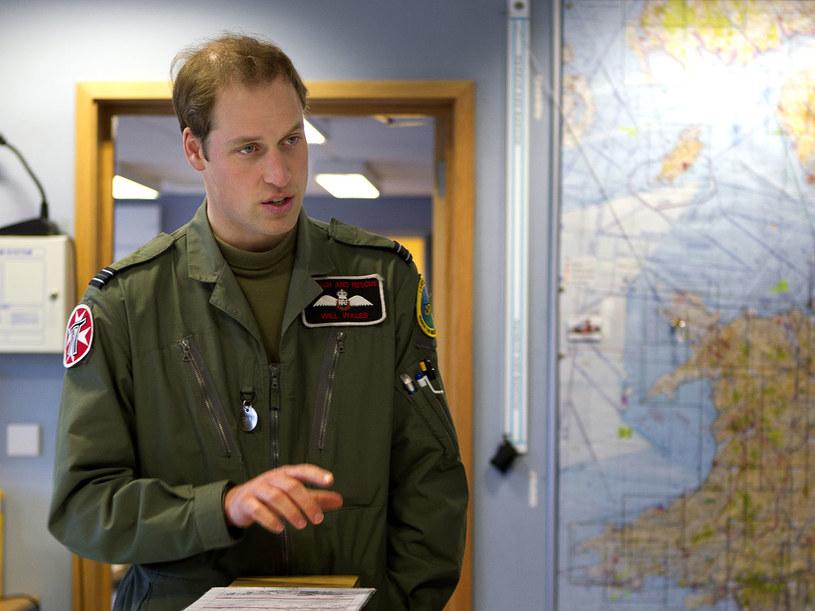 Praca pilota helikoptera ratunkowego  na wyspie Anglesey nie należy do bezpiecznych zajęć  /Getty Images/Flash Press Media