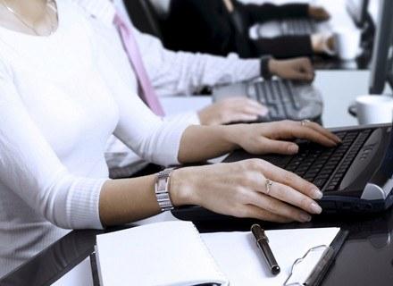 Praca spełnia rolę terapeutyczną. /ThetaXstock