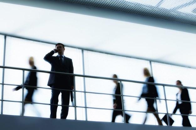 Praca w korporacji bywa nieprzyjemna /123RF/PICSEL
