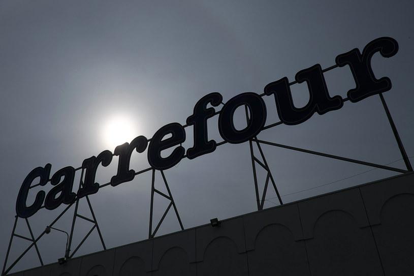 Praca w sklepach Carrefour w niedziele jednak nie będzie dobrowolna /AFP