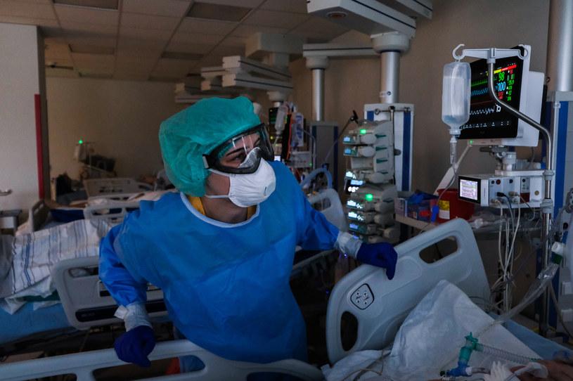 Praca w Szpitalu Uniwersyteckim w Krakowie podczas epidemii COVID-19; zdj. ilustracyjne /Omar Marques /Getty Images