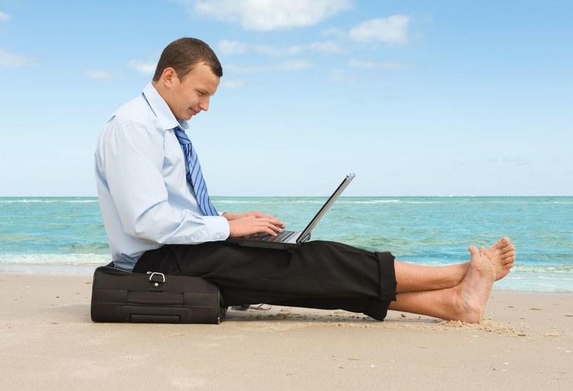 Praca za pośrednictwem internetowych platform komunikacyjnych nie jest sielanką! /123RF/PICSEL