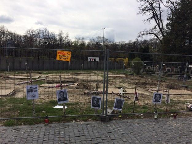 Prace na warszawskiej Łączce cmentarza na Powązkach /Mariusz PIekarski /RMF FM