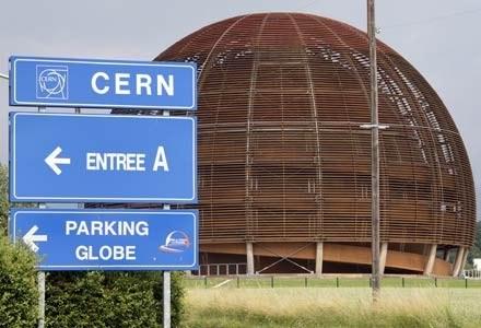 Prace nad LHC trwały w centrum badawczym CERN przez blisko 20 lat /AFP