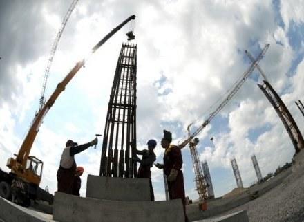 Prace przy budowie stadionu we Lwowie nabierają tempa /AFP