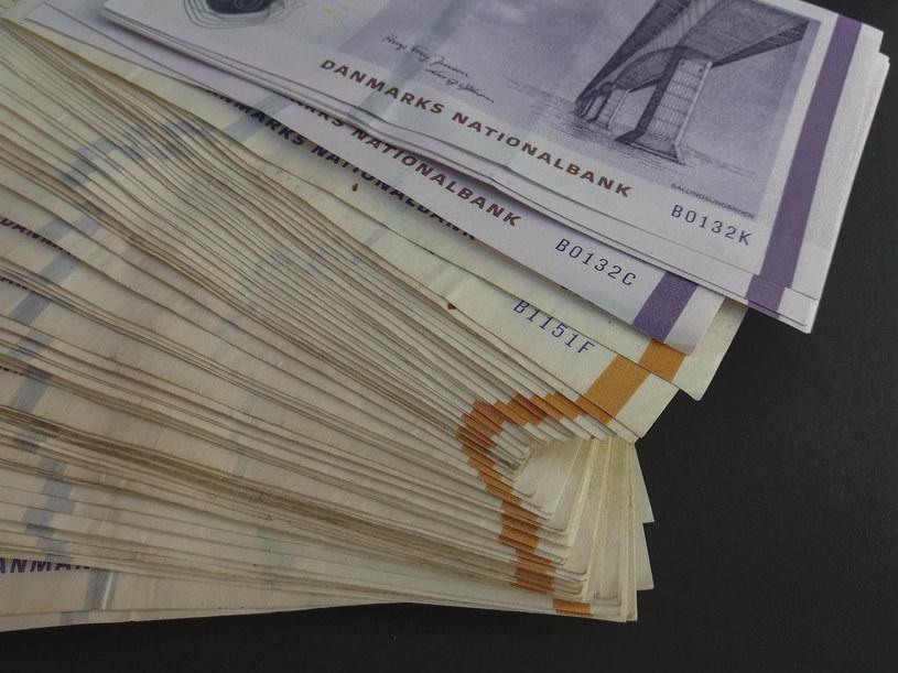 Pracownica pomocy społecznej okradła swoją firmę na 117 mln koron /123RF/PICSEL