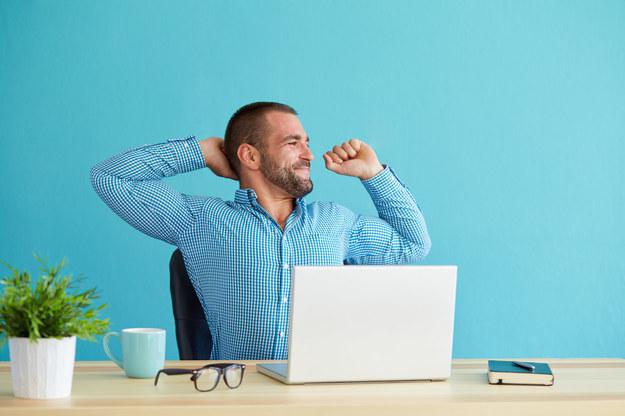 Pracownicy coraz więcej czasu przeznaczają na zajęcia niebędące ich obowiązkami zawodowymi /123RF/PICSEL