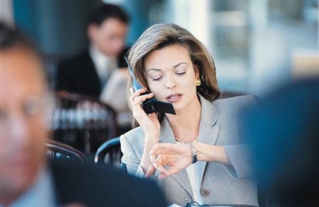 Pracownicy firm często spotykają się z kontrahentami poza siedzibą firmy /© Bauer
