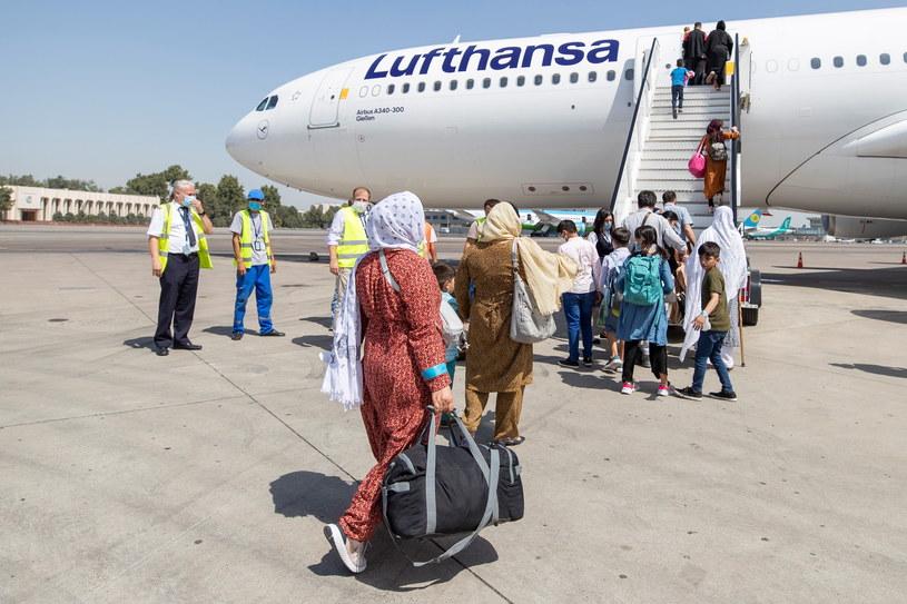 Pracownicy Kabul Small Animal Rescue  zaznaczają,  że do schroniska trafiają zwierzęta zarówno cudzoziemców,  jak i Afgańczyków, którzy opuścili kraj lub miasto /PAP/EPA/BUNDESWEHR / MARC TESSENSOHN / HANDOUT /PAP