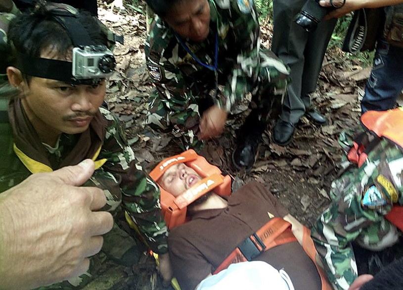 Pracownicy Parku Narodowego Khao Yai, którzy uczestniczyli w poszukiwaniach zaginionych turystów /STR/EPA /PAP/EPA