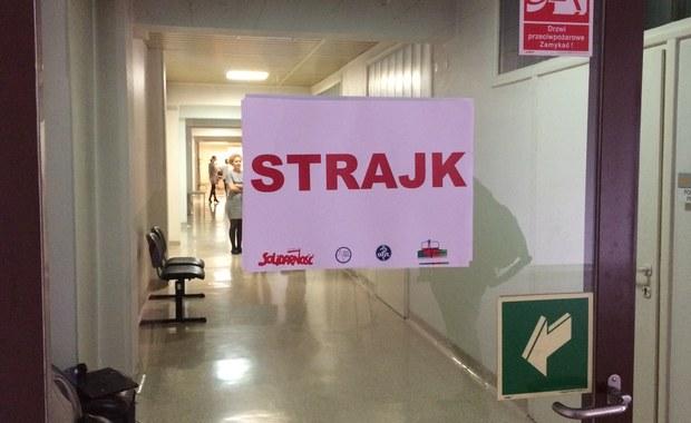 Pracownicy szpitala w Rybniku strajkują. Domagają się podwyżek