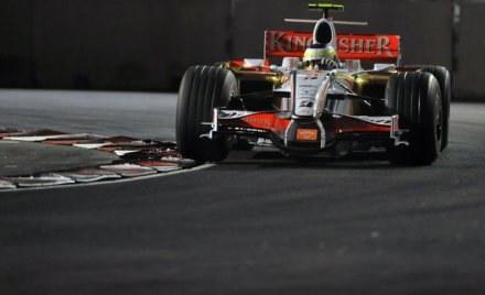 Pracownik Force India pozwał swój team do sądu. Domaga się odszkodowania za zwolnienie z pracy /AFP
