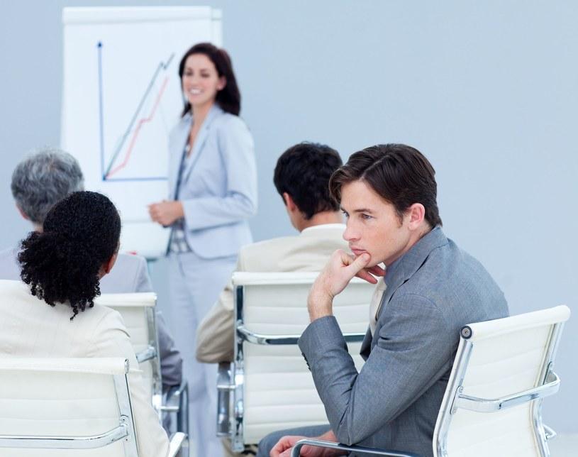 Pracownik, który zwiększa swoje kompetencje, może skorzystać z urlopu szkoleniowego /123RF/PICSEL