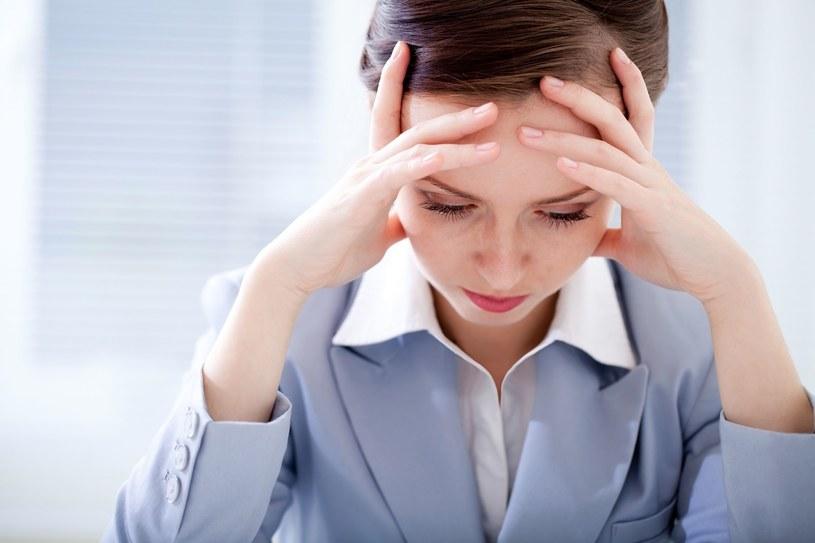 Pracownik może przyjąć nowe warunki zatrudnienia, ale nie musi /123RF/PICSEL