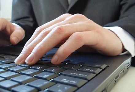 Pracownik musi być poinformowany o monitorowaniu jego komputera przez przcodawcę fot. Steve Woods /stock.xchng