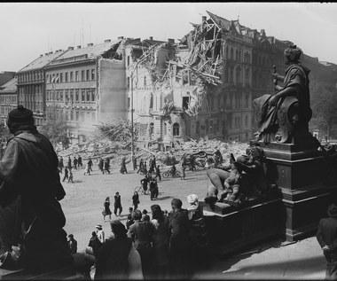 Praga poraniona wojną. Zobacz niepublikowane dotąd zdjęcia