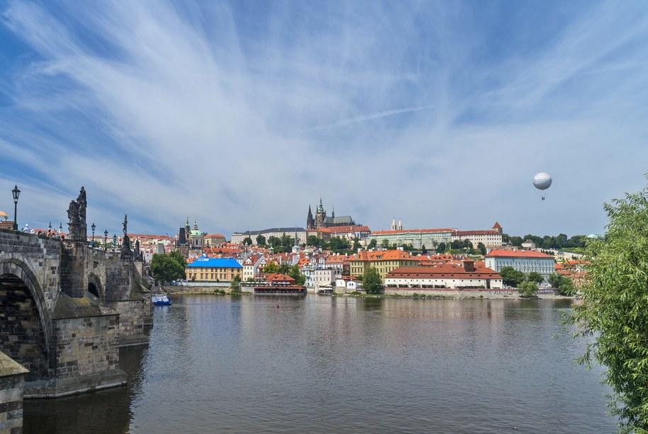 Praga: Widok na Hradczany i Most Karola /Jerzy Ochoński   /PAP