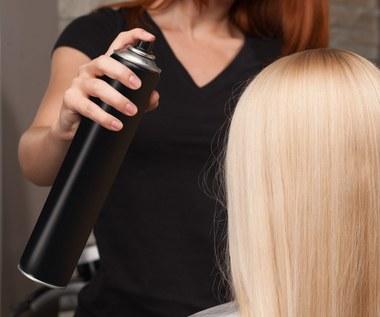 Praktyczne zastosowania lakieru do włosów