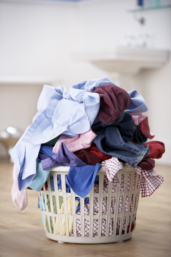 pranie w koszu /© Photogenica