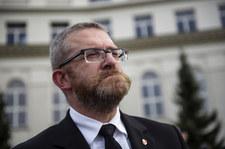 Prasa: Grzegorz Braun nie wpisuje dochodów z Sejmu do oświadczeń majątkowych