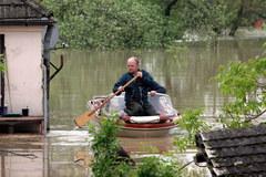 Prawa część Sandomierza pod wodą