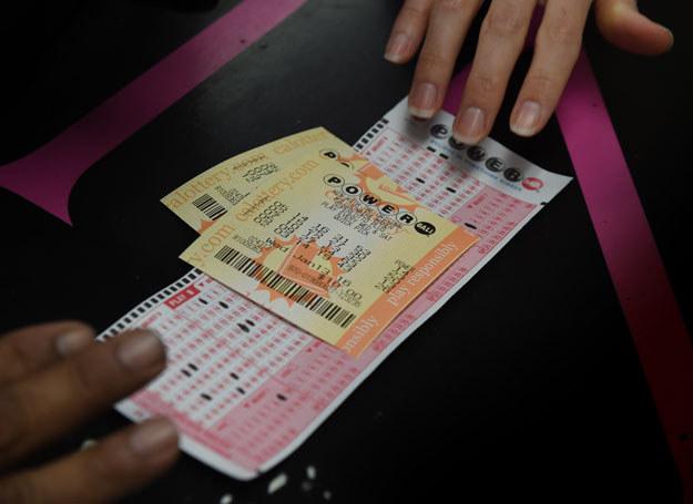 """Prawdopodobieństwo trafienia """"szóstki"""" w loterii Powerball wynosi jeden do 292 milionów /AFP"""