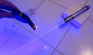 Prawdziwy miecz świetlny zrobiony w domowych warunkach
