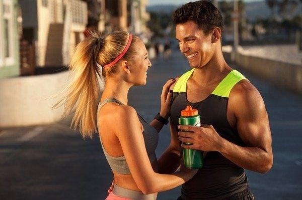 Prawidłowe odżywianie wzbogaca masę mięśniową /© Photogenica