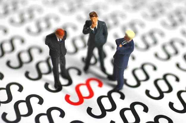 Prawie 300 zapisów z regulaminów stosowanych przez banki trafiło do Rejestru klauzul niedozwolonych /© Panthermedia
