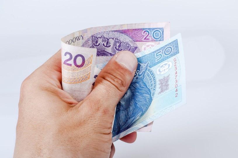 Prawie 6,1 biliona złotych wynosi emerytalno-rentowy dług ukryty. /123RF/PICSEL