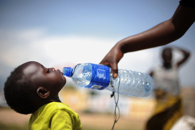Prawie miliard osób na Ziemi nie ma dostępu do wody pitnej /AFP
