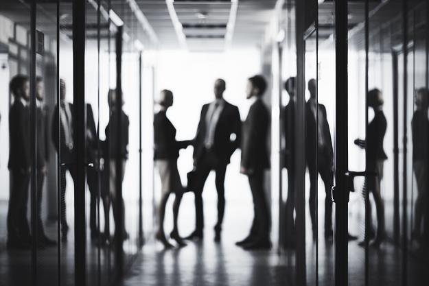 Prawie pół miliona urzędników czekają w przyszłym roku wielkie zmiany /©123RF/PICSEL