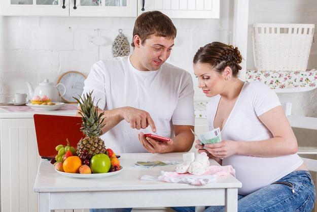 Prawie połowa wszystkich przyszłych matek wybiera opiekę w prywatnych gabinetach /©123RF/PICSEL