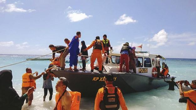 Prawie wszyscy pasażerowie zostali ewakuowani /BASARNAS HANDOUT /PAP/EPA