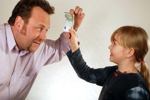 Prawie wszyscy polscy rodzice podczas tegorocznych wakacji zamierzają dać swoim dzieciom kieszonkowe /© Panthermedia
