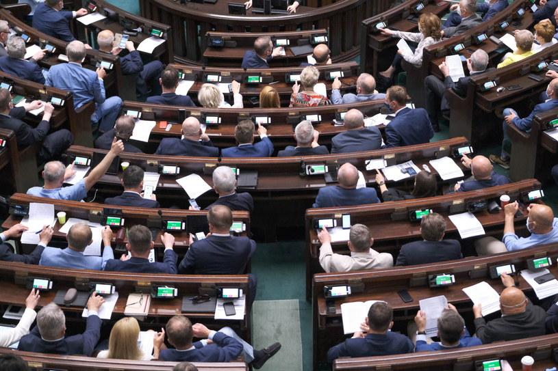 Prawo i sprawiedliwość cieszy się największym zaufaniem wyborców /Mateusz Marek /PAP