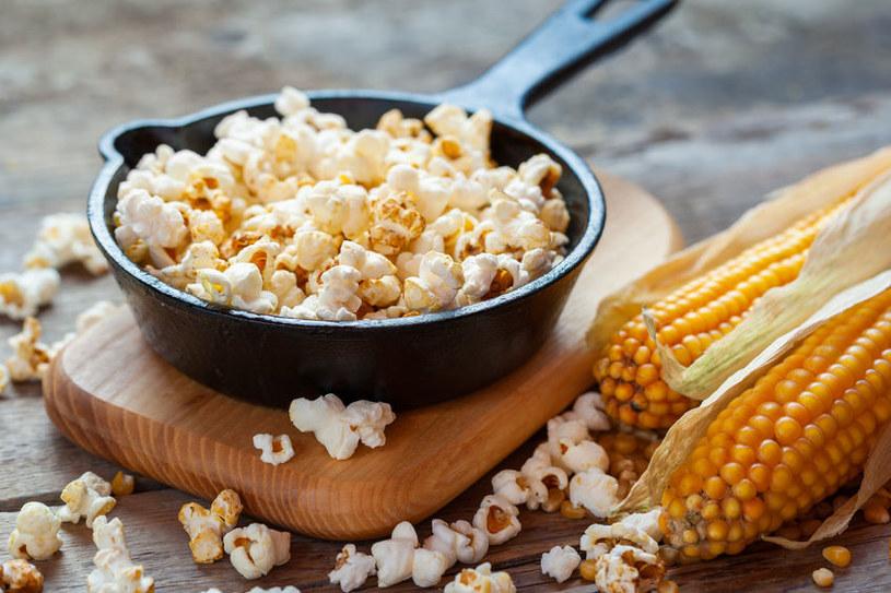 Prażenie kukurydzy /©123RF/PICSEL