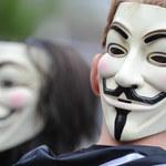 """""""Precz z cenzurą internetu"""". Protest pod siedzibą PO przeciwko ACTA-2"""