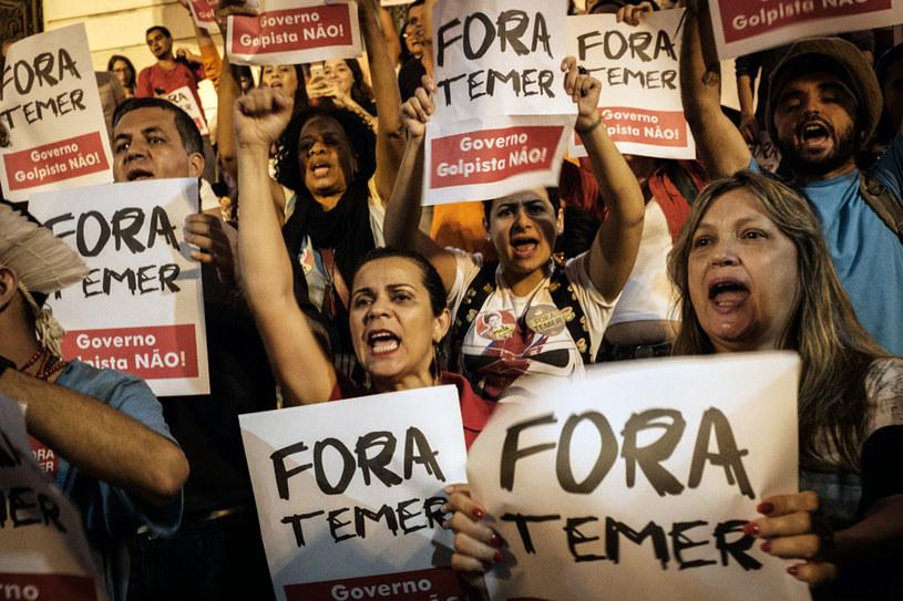 """""""Precz z Temerem"""". Zwolennicy usuniętej prezydent Dilmy Rousseff /AFP"""