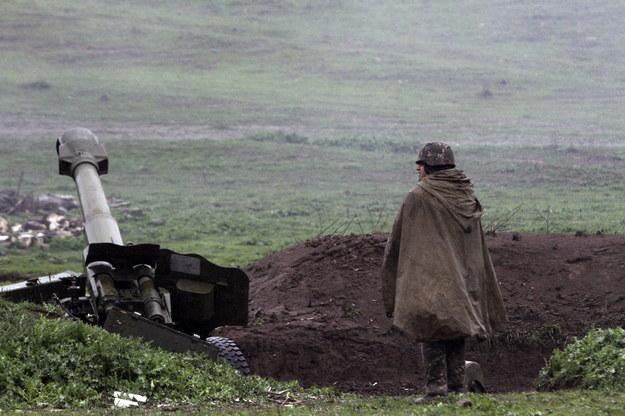 Premier Armenii Nikol Paszynian poinformował o wprowadzeniu w tym kraju stanu wojennego i powszechnej mobilizacji /VAHRAM BAGHDASARYAN / PHOTOLURE /PAP/EPA