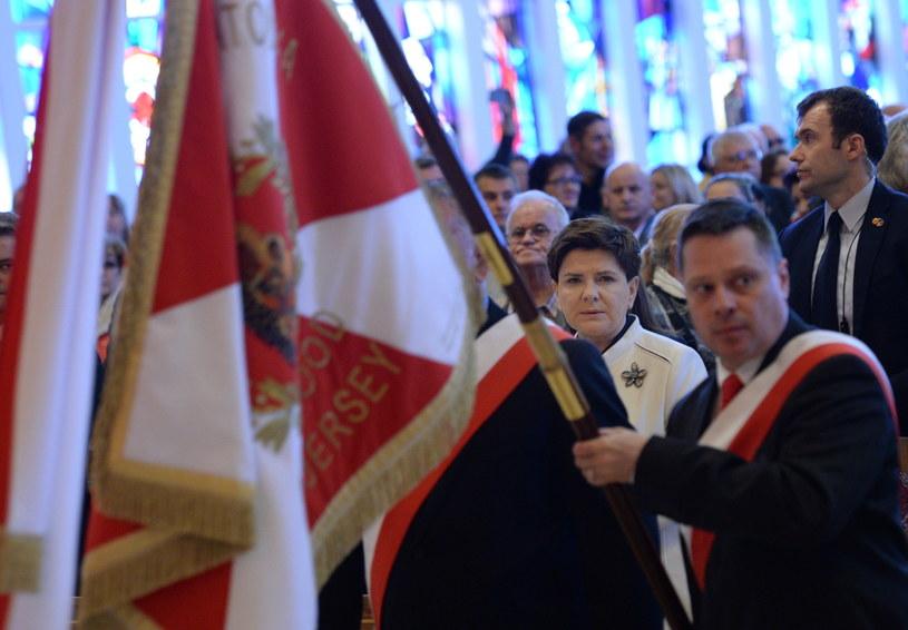 Premier Beata Szydło (C) uczestniczy 23 bm. w mszy świętej w Doylestown, ważnym ośrodku polonijnym w Stanach Zjednoczonych, w którym znajduje się Narodowe Sanktuarium Matki Bożej Częstochowskiej, nazywane Amerykańską Częstochową /Jacek Turczyk /PAP