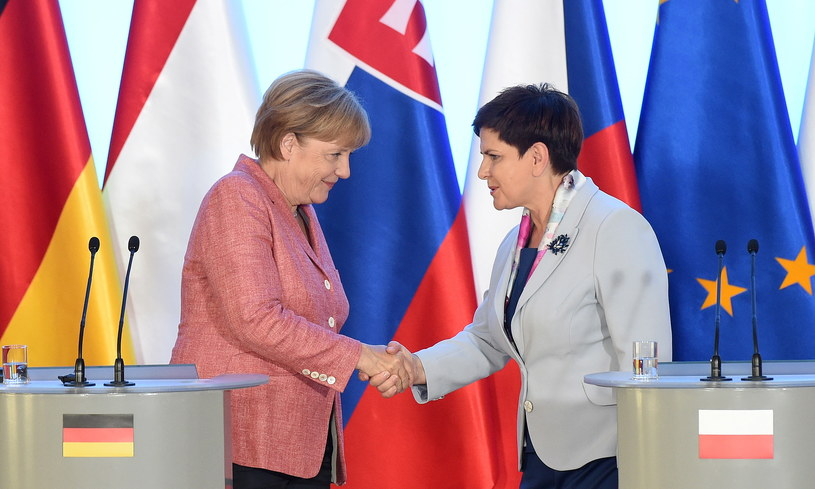 Premier Beata Szydło i kanclerz Niemiec Angela Merkel /Radek Pietruszka /PAP