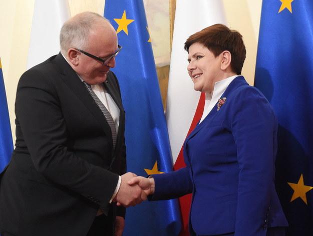 Premier Beata Szydło i pierwszy wiceprzewodniczący Komisji Europejskiej Frans Timmermans podczas spotkania w Warszawie /Radek Pietruszka /PAP