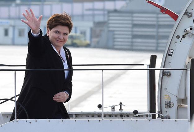 Premier Beata Szydło na lotnisku przed wylotem do Berlina /Radek Pietruszka /PAP