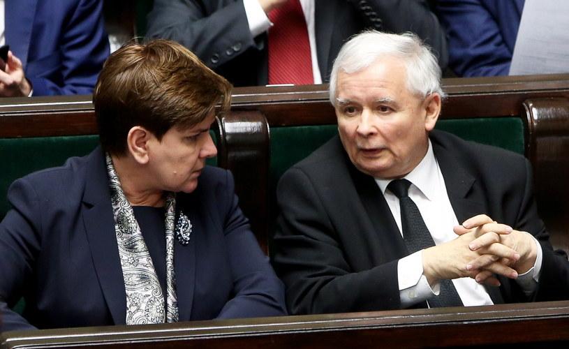 Premier Beata Szydło oraz prezes Prawa i Sprawiedliwości Jarosław Kaczyński /Rafał  Guz /PAP